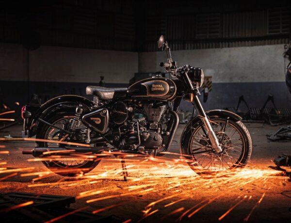 รอยัล เอนฟิลด์ ประกาศวางจำหน่ายรถจักรยานยนต์ซีรีส์พิเศษ  Classic 500 Tribute Black Limited Edition ในประเทศไทยอย่างเป็นทางการ